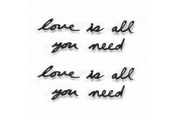 """Decorazione murale parole in metallo """"Love is all you need"""""""